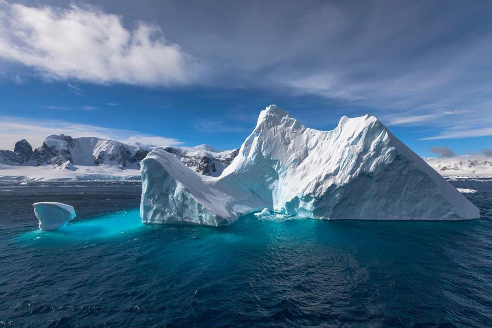 Antarctic Ski Cruise