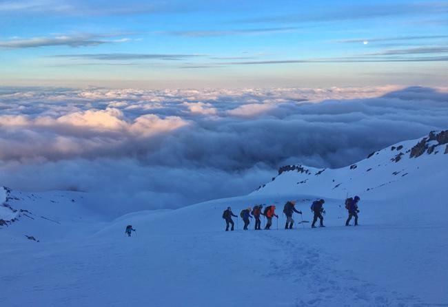 Alpine climbing Avalanche Gulch photo: M. Whitman